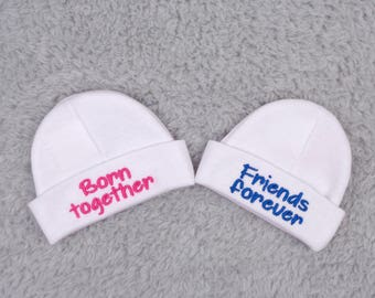 Baby twins hats - Born together Friends forever - micro preemie, preemie, newborn - twin baby shower gift, NICU clothes, preemie twins gift
