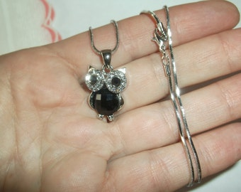 "Vintage Crystal & Black Silver Owl Necklace on a Shorter 15"" Silver Chain, Excellent Condition"