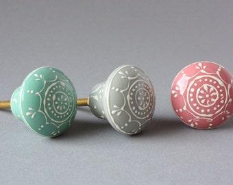 Set of 3 door knobs pastel, drawer pulls, funny drawer knobs, round handles grips, pink green grey gray handpainted