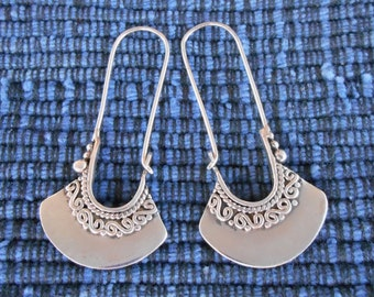 Balinese Silver oblong Hoop Earrings / 1.50 inch long / silver 925 / Handmade Bali jewelry / (#586m)