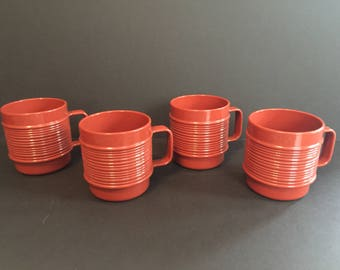Vintage - Rubbermaid Cups - Set of 4