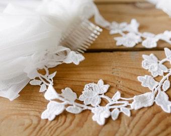Bachelorette Veil, Lace Headband, Bachelorette Tiara, Bride To Be Veil, Bride Gift, Bachelorette Party, Bridal Shower, Party Veil