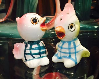 Anthropomorphic Baby Birds in Plaid Onesies Salt and Pepper Shakers made in Japan circa 1950s