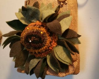 Farmhouse Decor Hooked Rug Sunflower Bag Pincusion Beaconhillcollect Collectibles