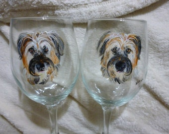 Hound Pet Memorial Wine Glasses Hand Painted and Made to Order by Pigatopia