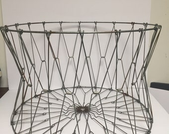 Vintage Collapsible Wire Basket Laundry Fruit
