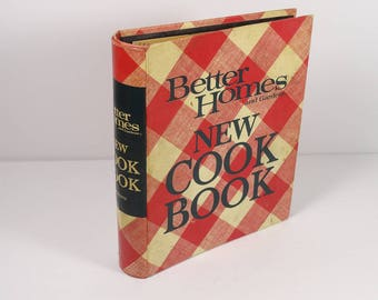 1970s Better Homes and Gardens New Cook Book Classic Cookbook BH&G First Apartment Graduation Newlywed Gift