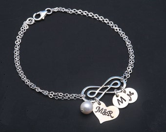 Double Infinity initial bracelet,couple monograms,initial heart,custom font,mom gift,Mother jewelry,Grandma gift,Personalized anniversary