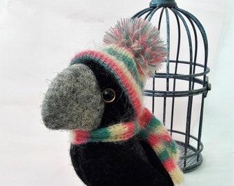 Needle Felted Crow,Felted bird handmade,Crow felted wool toy,Little crow,Bird sculpture,Realistic bird,Animal replica,Stuffed animal crow