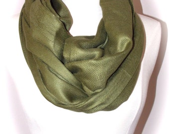 moss green pashmina scarf/Christmas scarf/green infinity scarf/pashmina infinity scarf