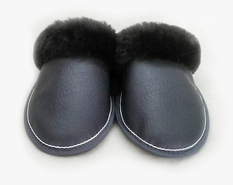 Slippers of sheepskin with eco leather
