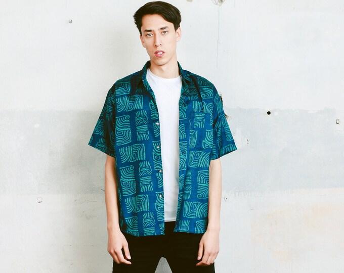 90s Men Silk Shirt . Men's Vintage 90s Bold Shirt Vacation Shirt Unisex 1990s Short Sleeve Shirt Boyfriend Gift . size Medium M