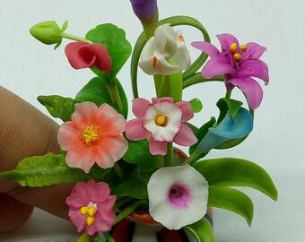 1 Dollhouse Miniature flowers Decorate on Ceramic vase   Deco 1 : 12  (FA001)