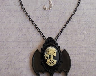 Gothic Lolita lady skull cameo in off white with bat wings necklace and beads