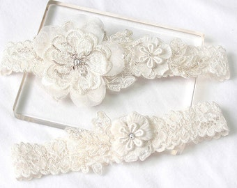 Lace garter set, ivory garter set, wedding lace garter set, bridal garter set, wedding garter belt, rustic wedding garter set