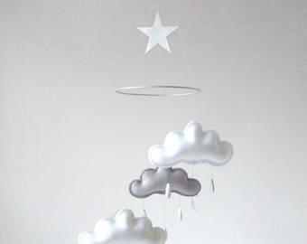 Neutral gender baby nursery decor, White and grey cloud mobile- Boy nursery- neutral baby gift- Ceiling Mobile-Baby mobile-monochrome mobile