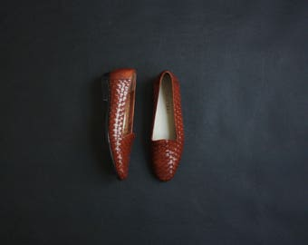 woven leather slip on shoes / size 7 1/2