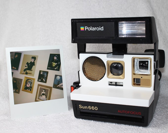 Supercolor Autofocus Polaroid 660 - cleaned, tested and Upcycled with White and Gold