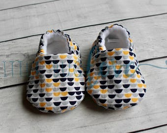 Soft sole baby shoes | Baby booties | Gender neutral baby shoes | CPSC compliant | Crib shoes | Soft sole shoes | Toddler slippers