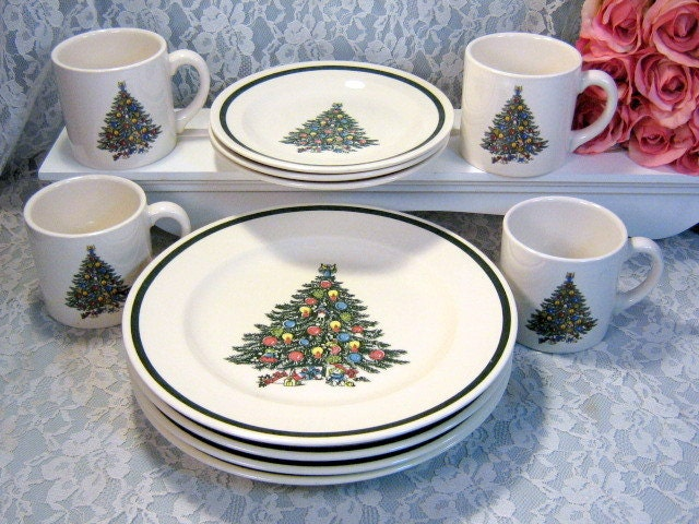 ?zoom & Vintage Royal China USA Christmas Tree Dinnerware Set Plates