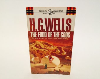Vintage Sci Fi Book The Food of the Gods - H.G. Wells 1967 Edition Paperback Classics