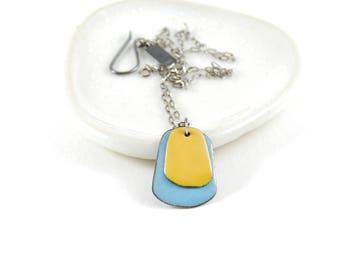 Two Color Liut Enamel Pendant Necklace