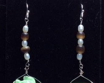 Handmade pearl & wood turtle earrings