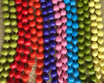 Painted Kukui Nut Lei 32 nuts