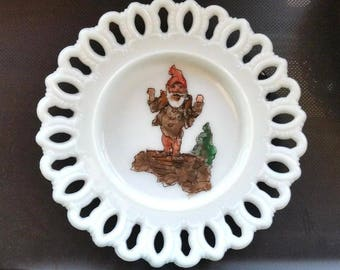 """Vintage Kemple Plate Milk Glass Gnome Hand Painted Open Lace Edge 7.5"""""""