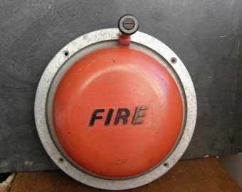 Ex school 1960s era Fire bell hand turned and in great condition,funky, dinner gong, free UK postage