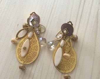 fancy Golden, beige clip earrings