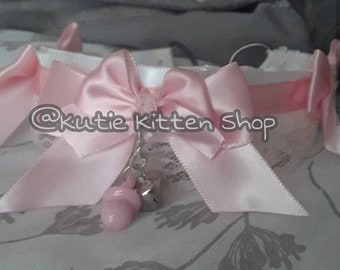 Double pink bow collar