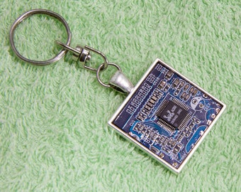 Computer chip, Cpu keychain, Cool keychains, Circuit board, Modern keychain, Computer science, Wearable tech jewelry, Computer geek gifts