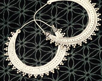 Boucles d'oreilles créoles Gipsy/Laiton plaqué argent/tribal earrings /silver platedAfghan earrings/ethnic jewel