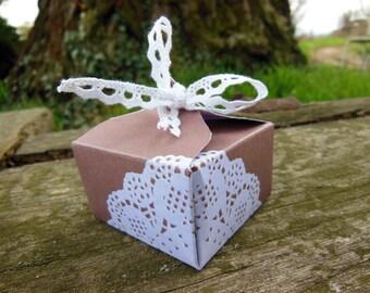 10 boxes dragées cardboard Sam - kraft and lace