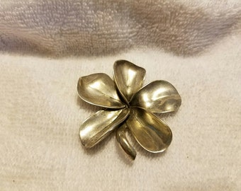Baray and Co/Honolulu TH Sterling Silver Flower Brooch
