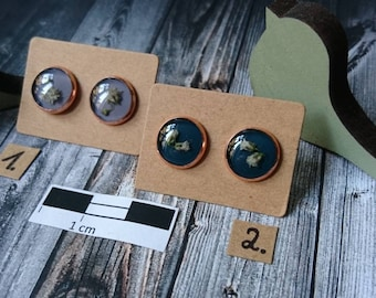 Rosé studs-with small bloom on lilac or petrolfarbenem background-resin/resin