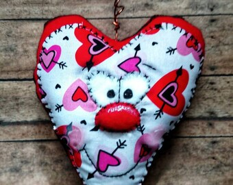 Valentine decor/ valentine wall hanging/ door decor/ heart/ heart decor/ Valentine's/ valentine door decor/ wall hanging/ primitive decor