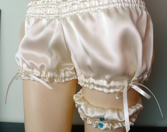 Ivory Silk Bridal Garter Set Burlesque Wedding