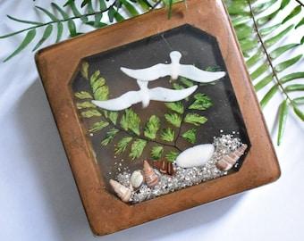 Beautiful Wood Trinket Box with Lid/Resin/Birds Leaves Seashells/Retro Box