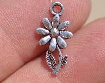 10  Silver Daisy Charms SC1911