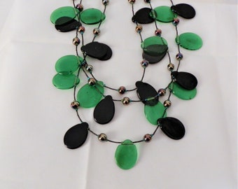 AMAZING Retro 3-Strand Lucite Necklace with  Tear Drops of Black & Bottle-Green