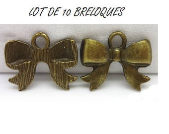 Set of 10 (T24) Bronze bow charms
