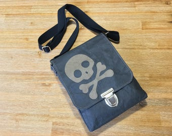 "Small shoulder Bag ""Skullz"""