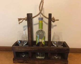 Wine bottle holder and wine glass picnic carrier