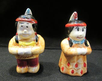 Native American Indian Salt and Pepper Shakers (1585)