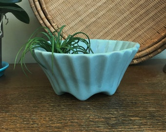 Vintage Fluted Pottery Bowl, Footed Planter, Gray Green, Round Footed Bowl, Mid Century Studio Art Pottery, Wabi Sabi Ceramics Home Decor