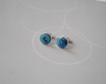 Enamel on copper, Earrings in blue and black, and silvered supplies.