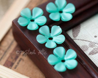 Vintage Flower Beads Shimmery Turquoise Green Lucite Plastic Flower Beads 16mm