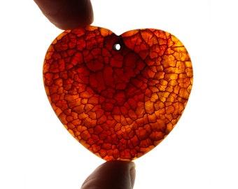 Interesting red orange Dragon Vein Agate pendant stone / heart- shaped (EA608)